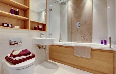 La salle de bain est une des pièces clés du logement. Différents types de professionnels peuvent intervenir dans les travaux de rénovation d'une salle de bain. Tout dépend du type de travaux à entreprendre.