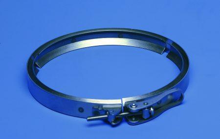 Il y a le collier de fixation murale et le collier de serrage. Tous deux sont des systèmes de fixation, mais chacun a sa propre utilisation. Le collier de serrage sert à garder réunis deux éléments cylindriques que l'on a préalablement emmanchés. En plomberie, il s'agit généralement de tuyaux d'arrivée ou d'évacuation d'eau. Le collier […]