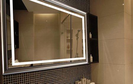 Le miroir est un élément essentiel dans une salle de bains. Il n'est pas toujours facile de choisir le meilleur modèle, car il faut tenir compte de la praticité, du design et de la sécurité. Avec ces quelques conseils, le choix ne sera plus difficile.