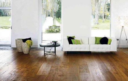 Le parquet est probablement le revêtement de sol le plus répandu dans les foyers. Les gens ont l'habitude de faire appel à un spécialiste pour la pose, mais le faire soi-même est une option à ne pas écarter. Il suffit juste de connaître les techniques.