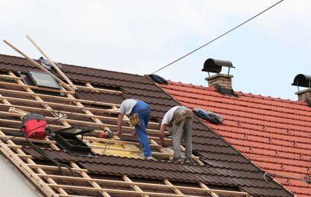 Remettre à neuf la toiture d'une maison engage d'importants travaux. Il s'agit d'un projet d'envergure qui coûte en général cher. Vous songez à refaire la toiture de votre habitation, mais vu l'ampleur des dépenses à engager, vous vous demandez si cela est vraiment nécessaire. Voici les informations essentielles à savoir avant se lancer dans ce […]