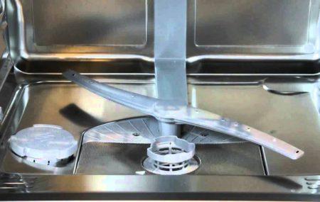 Le lave-vaisselle se bouche assez couramment. Cet électroménager a ainsi besoin de débouchage régulier. Vous pouvez réaliser vous-même ce geste d'entretien. Voici la démarche que vous devriez suivre.