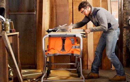 On a beau vouloir transformer son garage en atelier lorsqu'on ne dispose pas suffisamment d'espace chez soi. Seulement, pas question d'y mettre les pieds lorsque le froid s'installe et bon nombre d'artisans l'ont déjà compris. Heureusement, il existe des chauffages mobiles permettant de travailler dans les meilleures conditions même en hiver, en particulier les générateurs […]
