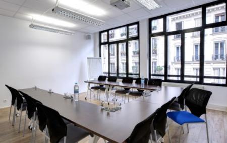 Pour organiser une réunion du personnel, une conférence avec un intervenant extérieur, une rencontre avec des partenaires, les sociétés ont l'habitude de louer une salle de réunion. Pour qu'une telle location rende vraiment service à l'entreprise, la recherche et le choix de la salle de réunion à louer doivent être faits selon la nature et […]