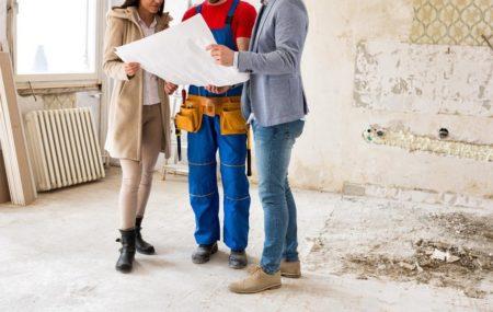 Vous avez un projet de rénovation qui vous tient à cœur, mais celui-ci nécessite un grand budget ? Sachez que vous pouvez obtenir un prêt auprès d'un établissement bancaire pour financer les travaux de rénovation. Mais comment déterminer le montant à emprunter ? Quel type de prêt choisir ?